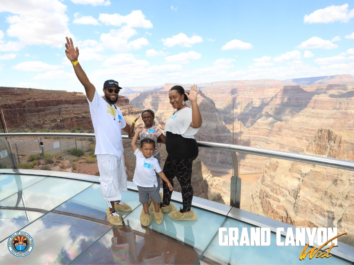 family at skywalk view